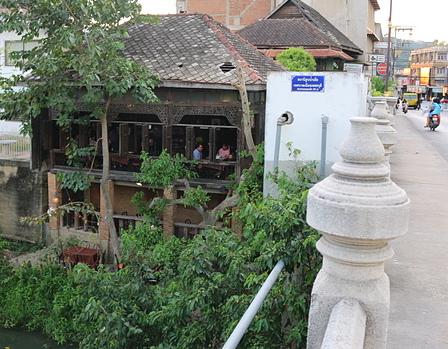 http://www.thaibeachvilla.com/rabieng-rimnum-restaurant-tours-2/